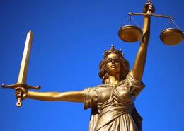 Bobestyrer advokat